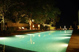 pool and landscape lighting. electrical contractors Ottawa